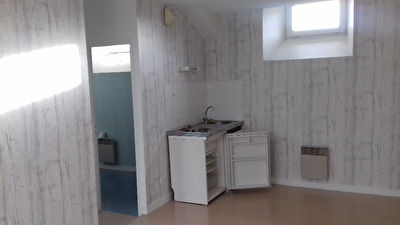 LAVAL appartement T1 bis
