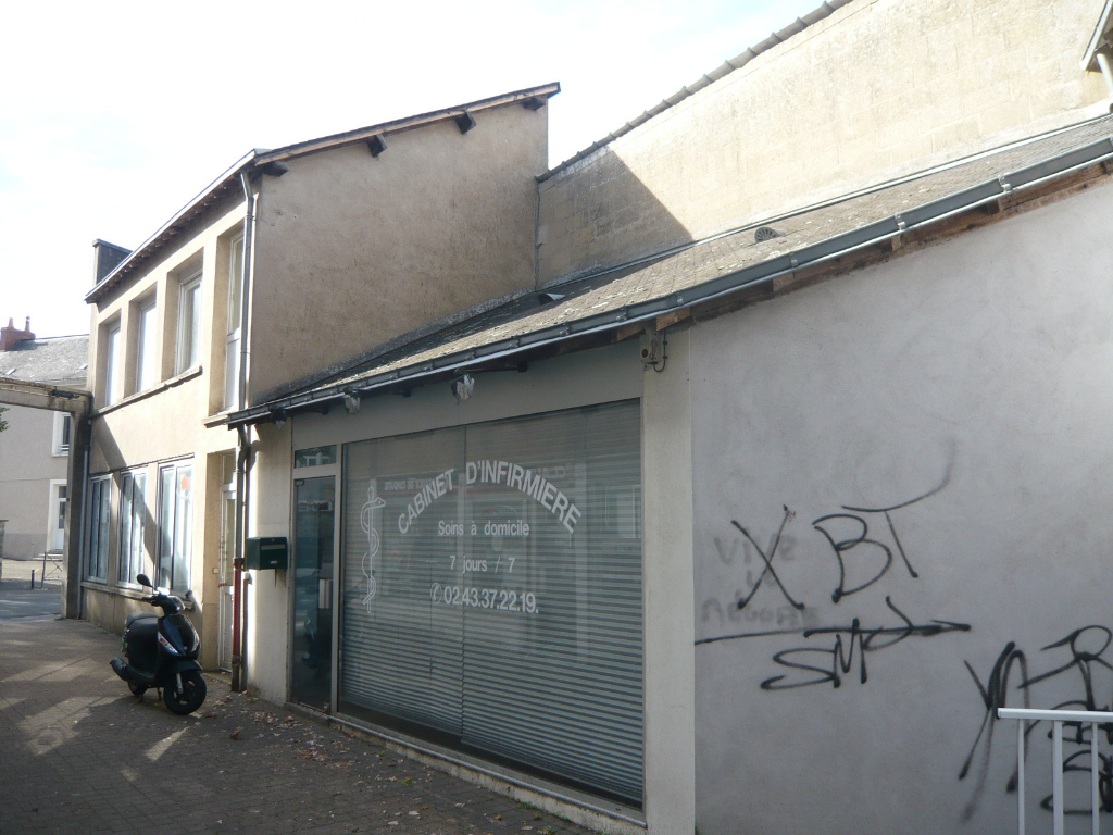 MESLAY DU MAINE LOCAL, APPARTEMENT & GARAGE 3/3