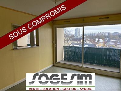 APPARTEMENT LAVAL  2 CHAMBRES